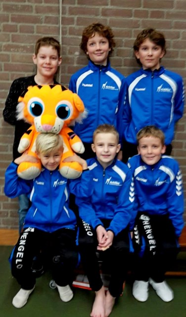 Achilles turners staand v.l.n.r. Rens Kafoe, Aiden van Andel, Quintin Uyttenboogaart en zittend v.l.n.r. Ruben Engels, Swen Loskamp en Collin van Andel. Foto: PR