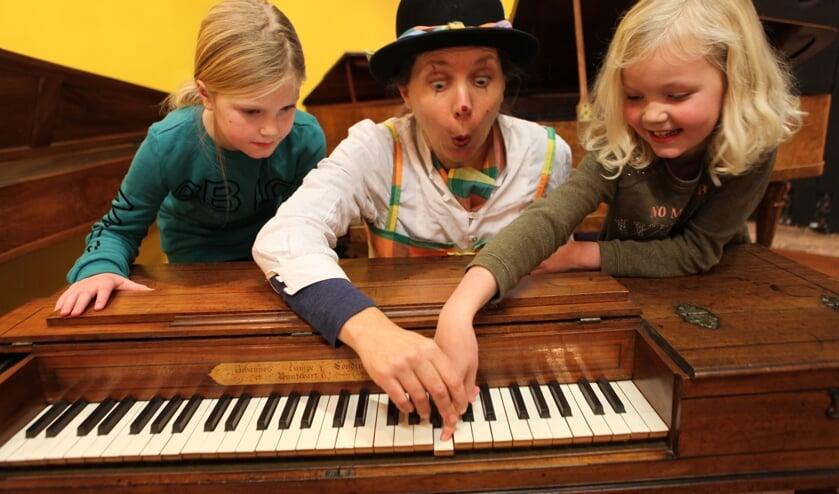 Een interactieve voorstelling met Clowntje Polka en diverse piano's. Foto: PR