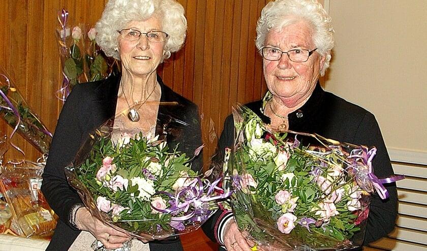 Rieky Kraaijenbrink en Gerda te Bokkel (rechts). Foto: D.W. Perebolte