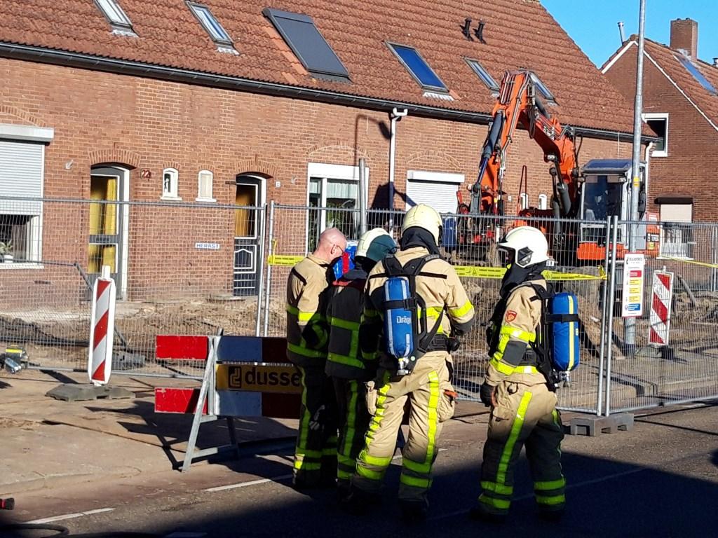 De brandweer is ter plekke. Foto: Frank Vinkenvleugel  © Achterhoek Nieuws b.v.