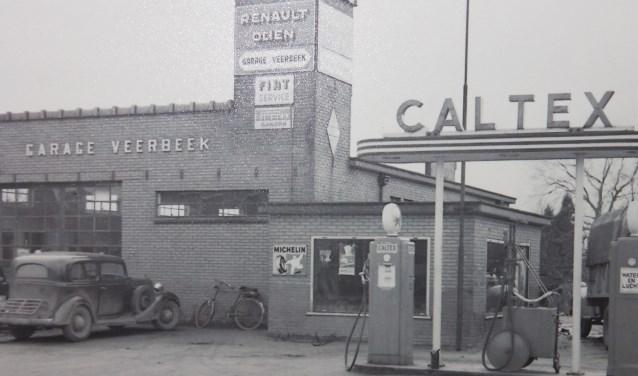 Aalten, garage Veerbeek, benzinepomp. Foto: collectie Leo van der Linde, met dank aan Geb Garretsen