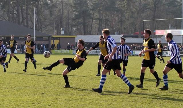 Actiefoto tijdens wedstrijd Vorden-AZC. Foto: Johan Bolink