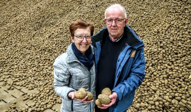 Voor Gerrit en Henny Wullink speelden de aardappelen 45 jaar lang een zeer belangrijke rol in hun leven. Foto: Luuk Stam