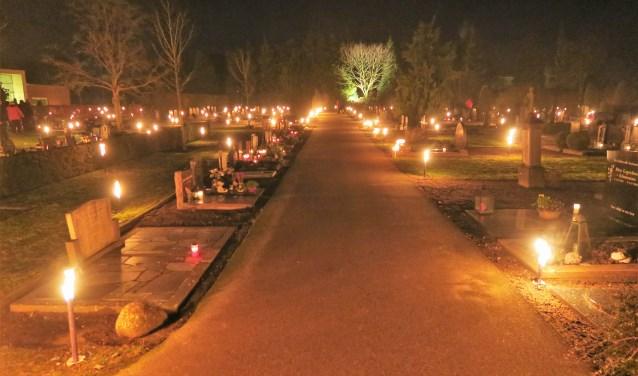 Een beeld van de vierde achtereenvolgende lichtjesavond in Groenlo. Foto: Theo Huijskes