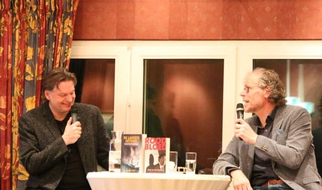 Frank Krake (rechts) beantwoordt vragen  op de sponsoravond. Foto: Jaime Lebbink