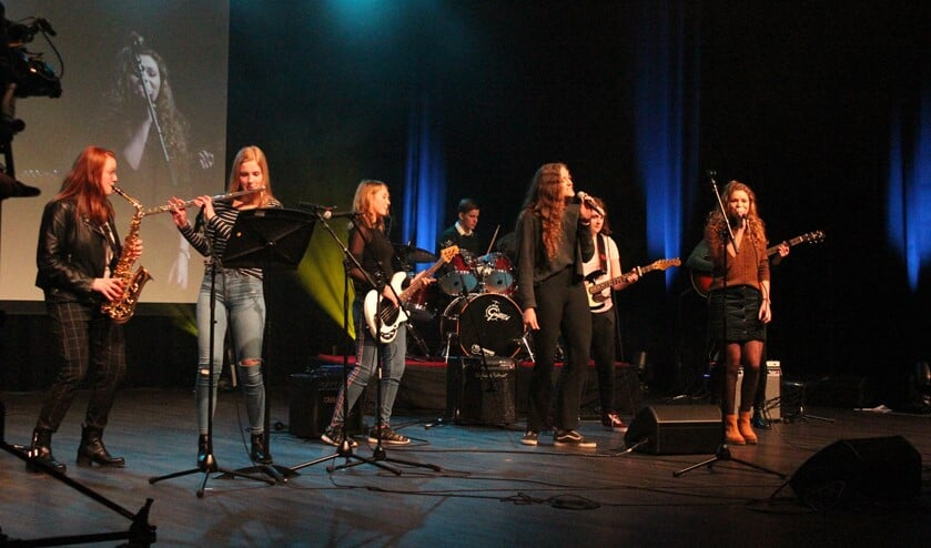 De winnaars van de vakjuryprijs tijdens hun optreden. Foto: Walter Hobelman
