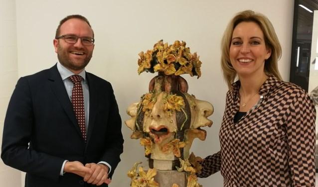 : Wethouder Gerjan Teselink en Platform BV Berkelland voorzitter Erna Koeslag. Foto: Rob Weeber