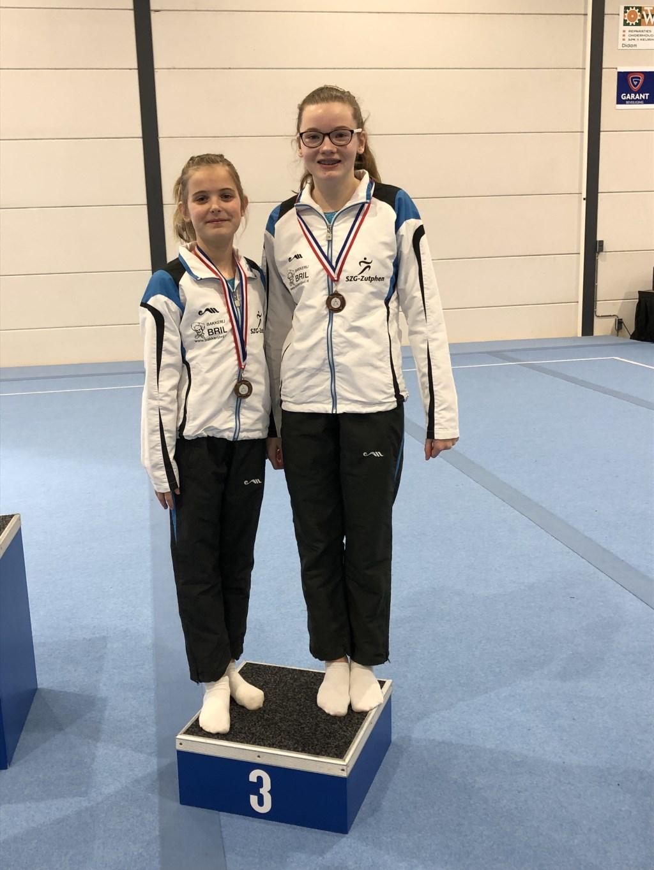 Gieneke en Merit kregen, in hun eigen categorie, het brons omgehangen. Foto: PR Foto: pr © Achterhoek Nieuws b.v.