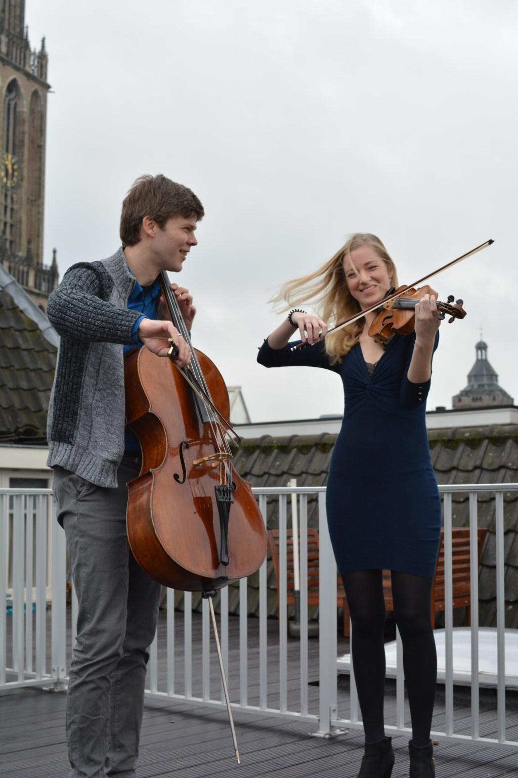 Joachim Eijlander, cello, Merel Vercammen, viool. Foto: Vercammen
