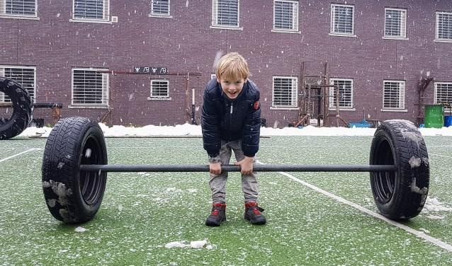 Ook kinderen vonden het leuk tijdens de open dag in De Kruisberg. Foto: Burry van den Brink