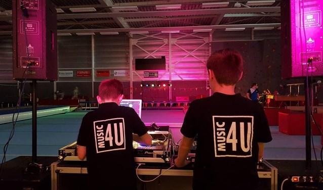 Spring en Swingdisco onder leiding van Music4U. PR Penta Winterswijk