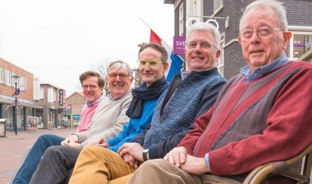 De werkgroep van 'In het voetspoor van Willink', van links afRob Teunissen, Peter van de Heij, Sven Bonsel, Wim Slotboom (vervanger van René Swienink) en Joop Huisman. Foto: PR