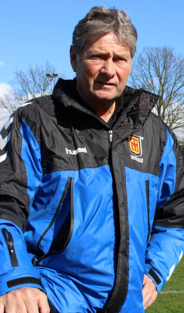 SVGG-trainer Jan van de Wouw op Sportpark De Biel in Megchelen. Foto: John van der Kamp