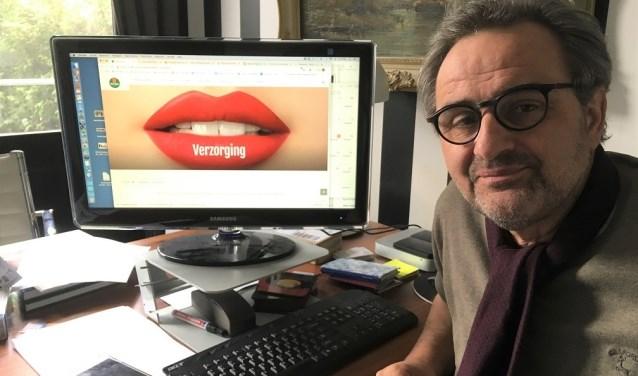 """Grieto Zeeman: """"Een website om te zoenen!"""". Foto: Raack, Vorden"""