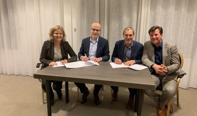 De ondertekening van de  intentieverklaring tussen Klimmendaal, Azora en Sensire. Foto: PR