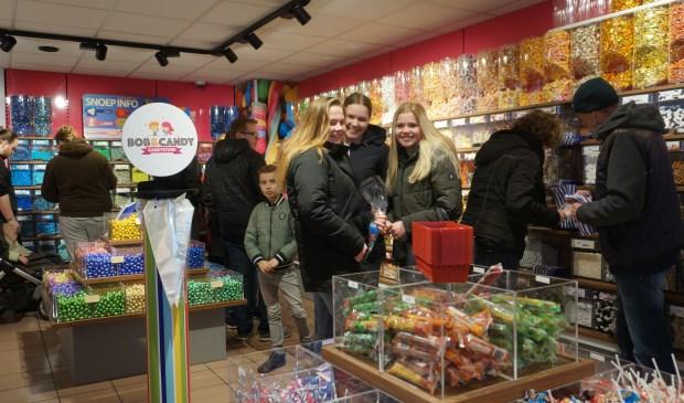 Bij Bob & Candy Candystore kunnen snoepliefhebbers kiezen uit zo'n driehonderd soorten schepsnoep.