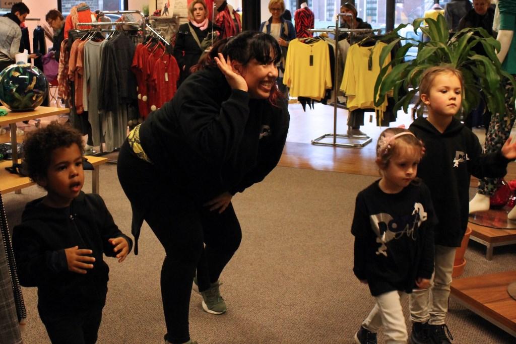 Dansen met Magali. Foto: Kristel te Bokkel  © Achterhoek Nieuws b.v.