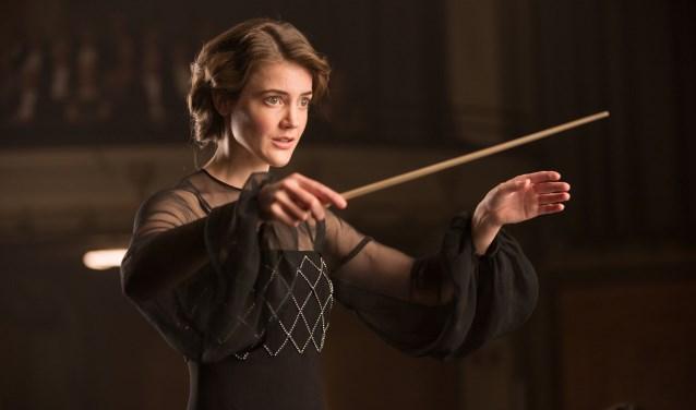Antonia Brico (Christianne de Bruijn) in De Dirigent. Foto: Ray van der Bas