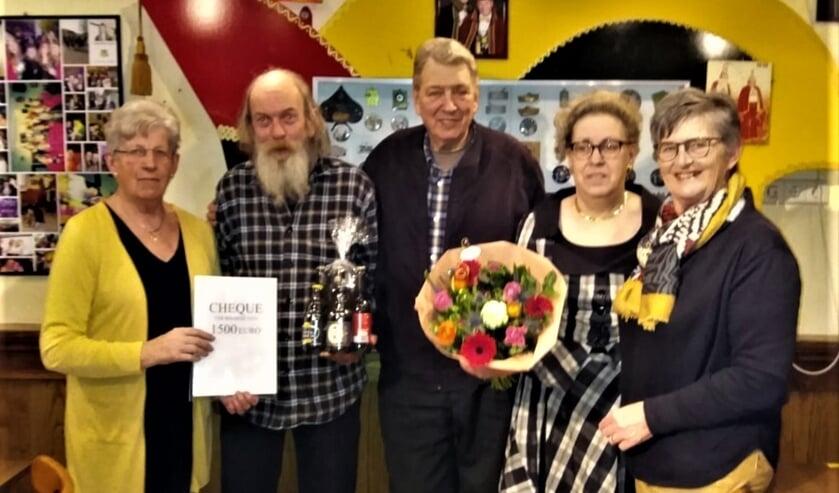 Van links naar rechts; Rikie Scharenborg,  Ton Roelvink, Frans Scholten, Annemiek Scharenborg en Lidwien te Have. Foto: PR