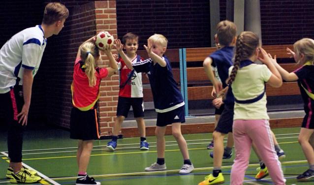 Handbal- en gymnastiekactiviteiten tijdens de Quintus en Achilles instuif. Foto: SV Quintus