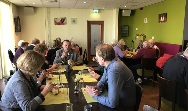 Burgemeester Stapelbroek was te gast bij Schoef es an. Foto: PR
