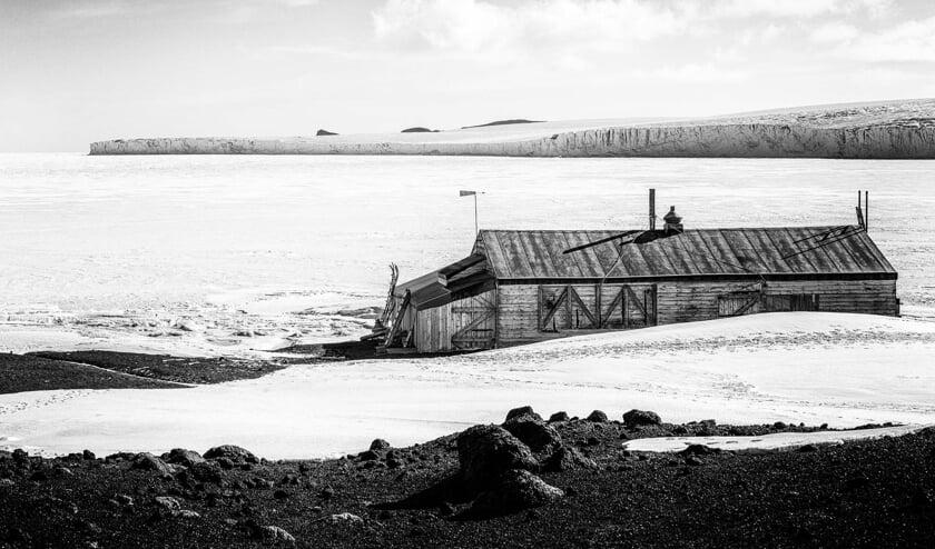 Een foto van een kamp van ontdekkingsreizigers. Foto: Arjan Drost