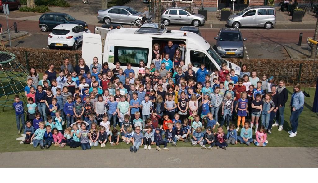 De leerlingen van de Sint Liborius genoten van het waterproject. Foto: Frank Vinkenvleugel  © Achterhoek Nieuws b.v.