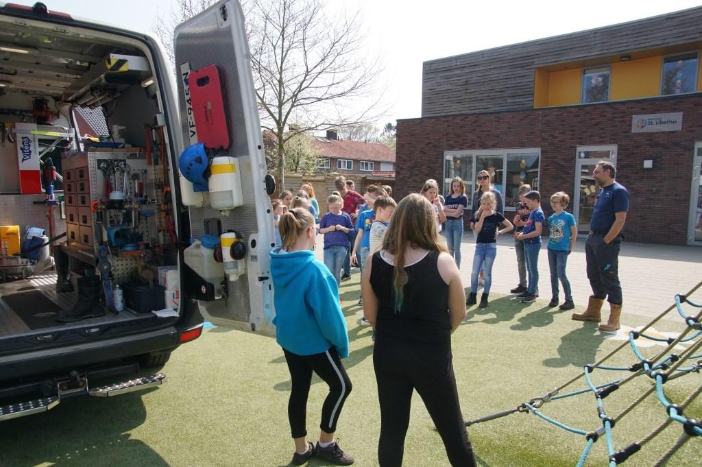 Een kijkje in de bus van Vitens. Foto: Frank Vinkenvleugel  © Achterhoek Nieuws b.v.