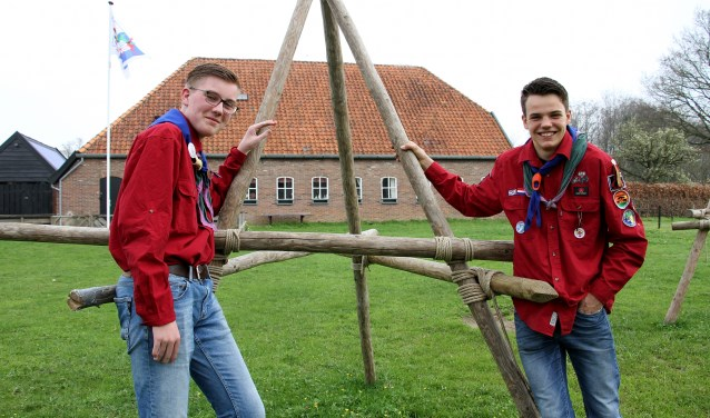 Steven Willems (l.) en Rutger Bilderbeek van Scouting Sweder van Voorst gaan naar de World Jamboree in Amerika. Foto: Liesbeth Spaansen