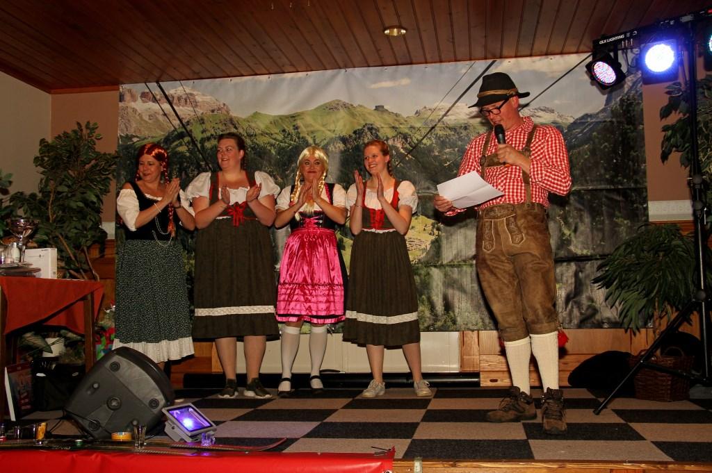 Vierde DorpsQuizZelhem in Tiroler sferen. Foto: Liesbeth Spaansen  © Achterhoek Nieuws b.v.