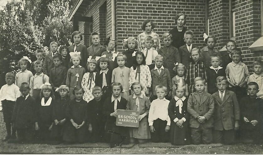 Leerlingen R.K. lagere school Harreveld in 1931. Foto: archief OKV Harvelt