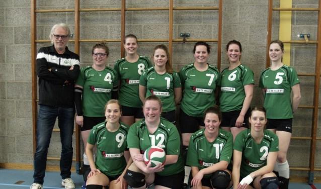 Dames 1 van volleybalvereniging Mevo uit Meddo promoveerde afgelopen week naar de derde klasse. Foto: Stefan Buning