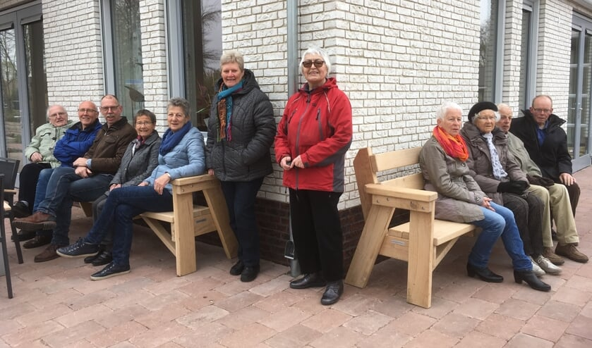 De banken die Nieuw Leven gaf aan De Zonnekamp. Foto: Paulien Rijkenbarg