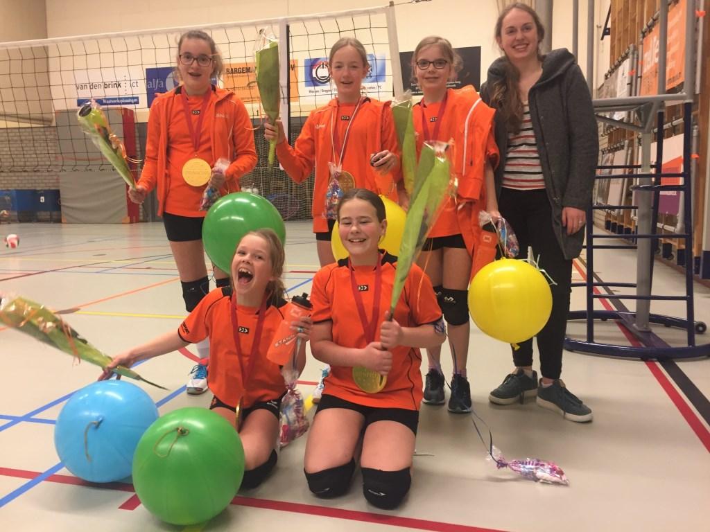 Het kampioensteam van Tornax CMV 6. Foto: PR  © Achterhoek Nieuws b.v.