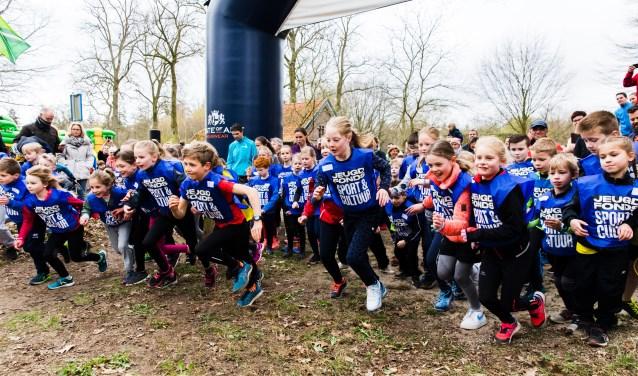 De Kruisberg Trailrun leverde 11.000 euro op voor het Jeugdfonds Sport en Cultuur. Foto: Edwin van de Graaf