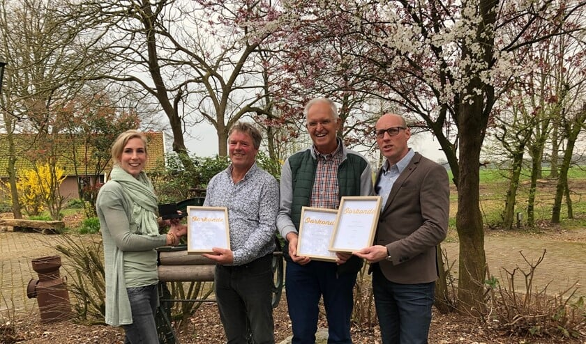 De uitreiking van de certificaten voor de verkiezing van de Voorjaarswijn. Foto PR