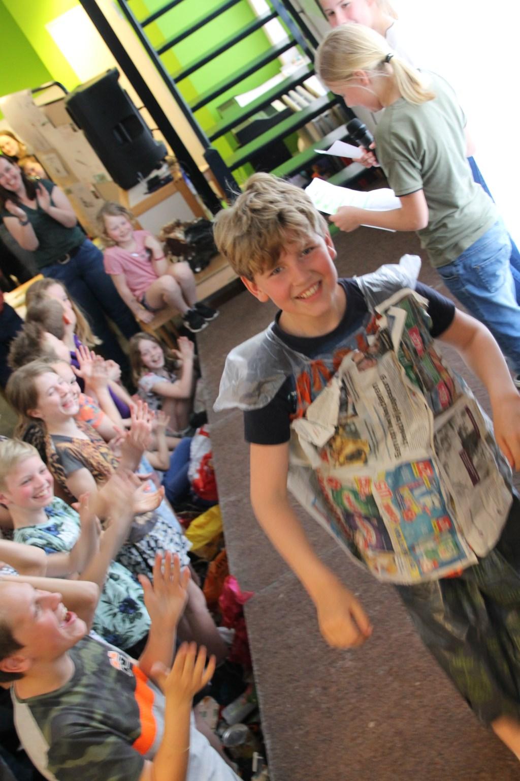 Verdiend applaus bij de modeshow. Foto: Annekée Cuppers  © Achterhoek Nieuws b.v.