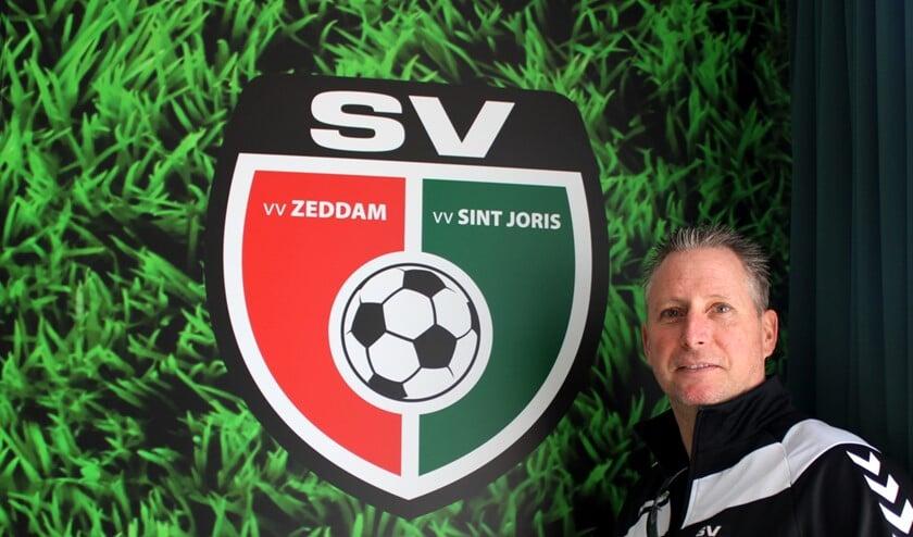 Trainer Marthijne Bochoven op Sportpark Gerrit Dieker in Braamt. Foto: John van der Kamp