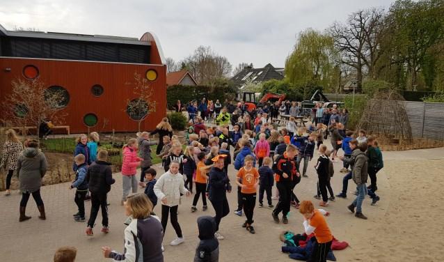 Een actieve en gezellige ochtend op het Ontmoetingsplein in Wichmond. Foto: PR