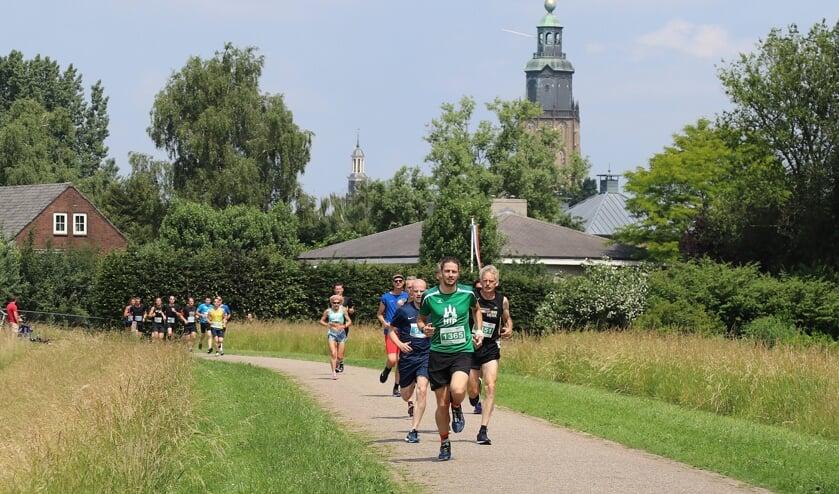 Het is mogelijk individueel of per team aan de Hanzeloop deel te nemen. Foto: Achterhoekfoto.nl/Marja Sangers-Bijl
