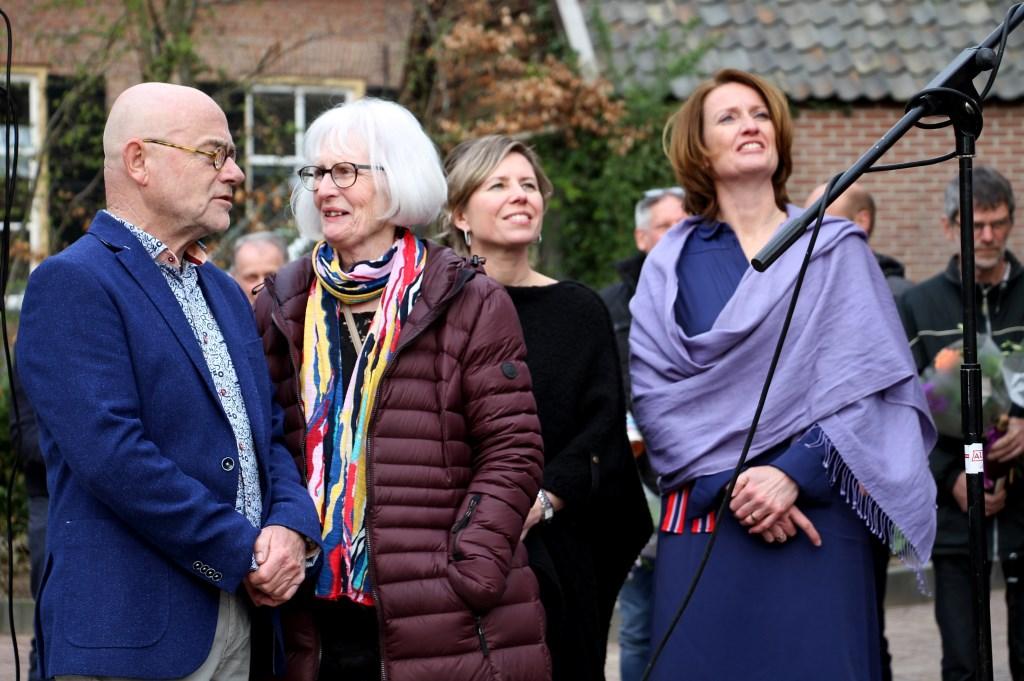 Henk en Joke Hulshof, Petra Heusschen en Rianka Habraken in het zonnetje gezet. Foto: Liesbeth Spaansen  © Achterhoek Nieuws b.v.