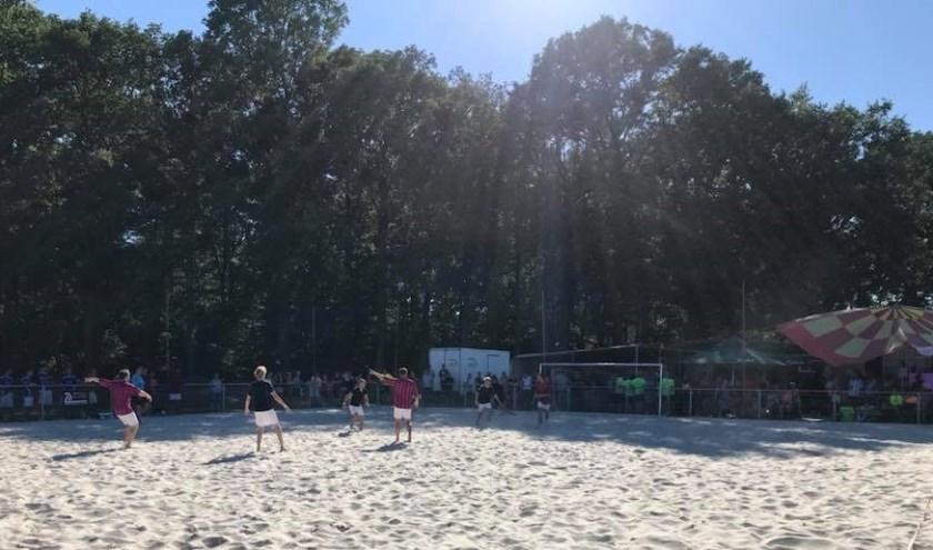 Beachsoccer op Sportpark Zuid. Foto: PR