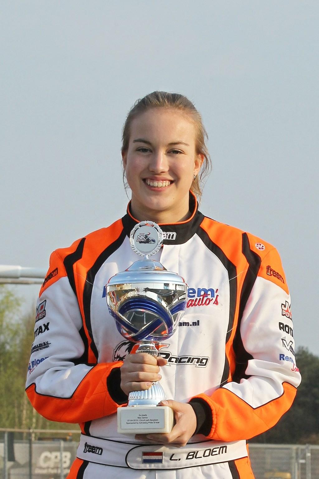 De Didamse coureur Luna Bloem als nummer twee op het podium. Foto: Gijs Kaligis/RaceXpress.nl   © Achterhoek Nieuws b.v.