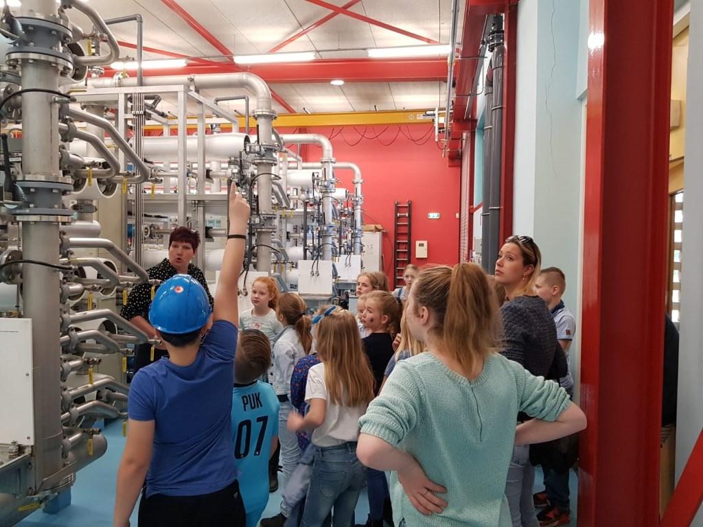 Kijken hoe ons water schoon wordt. Foto: PR  © Achterhoek Nieuws b.v.