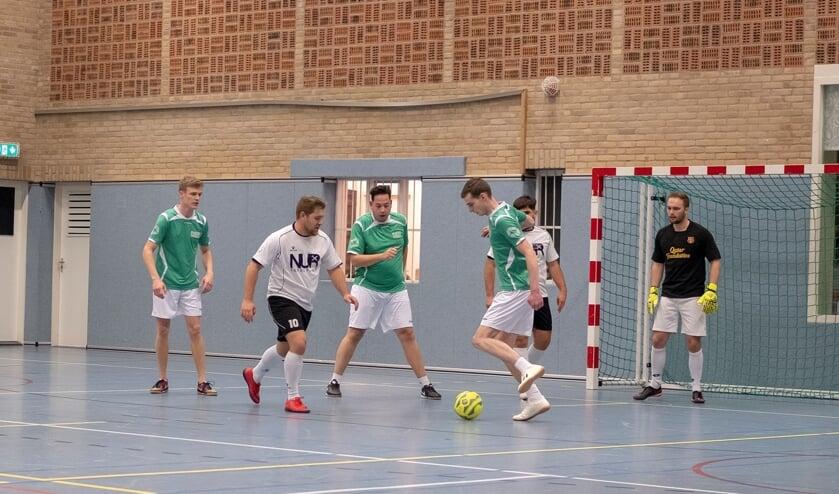 De zaalvoetbalcompetitieRikkenhage heeft een puur recreatief karakter. Foto: PR