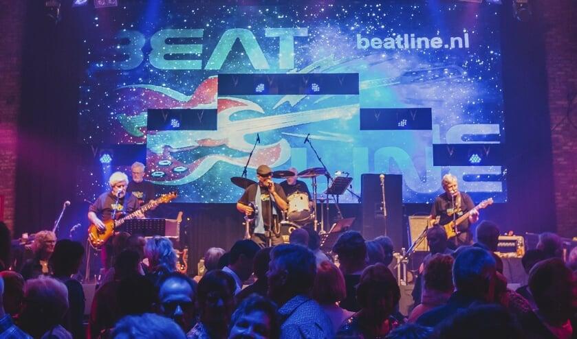 Beatline op het podium van Lucky in Rijssen. Foto: PR