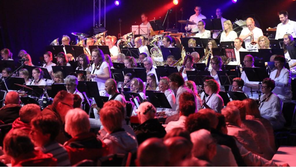 Het Harmonieorkest van Muziekvereniging Excelsior Winterswijk. Foto: Marco Lobeek  © Achterhoek Nieuws b.v.