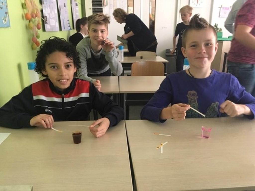 Allerlei proefjes mochten de kinderen doen. Foto: PR  © Achterhoek Nieuws b.v.