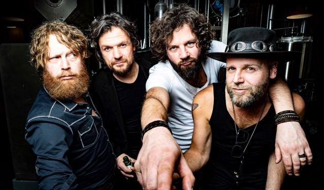 De succesvolle band Bökkers, topact tijdens de Zomerfeesten in de Hoeve. Foto: management Bökkers.