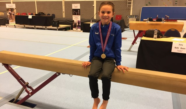 Laura Barendregt met haar gouden medaille. Foto: Rosaly Kolthof